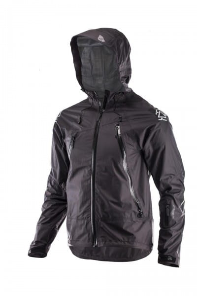 DBX 5.0 All Mountain Jacke - black